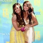 Selena Gomez and Demi Lovato at The 2011 Teen Choice Awards