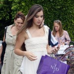 Hailee Steinfeld Pick Up Swag Bags at A Party