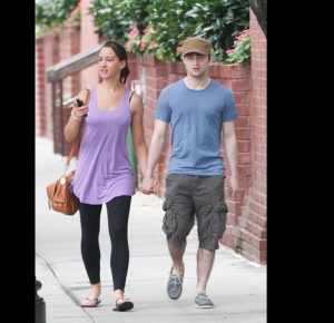 Daniel Radcloffe Spotted with Girlfriend