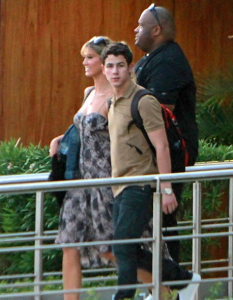 Nick Jonas on Vacation with Girlfriend