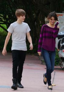 Justin Bieber Reserves Staples Center for Date