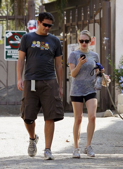 Does Amanda Seyfried Have A New Man In Her Life