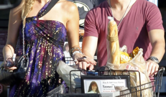 Nick Jonas and Girlfriend Do Grocery Shopping