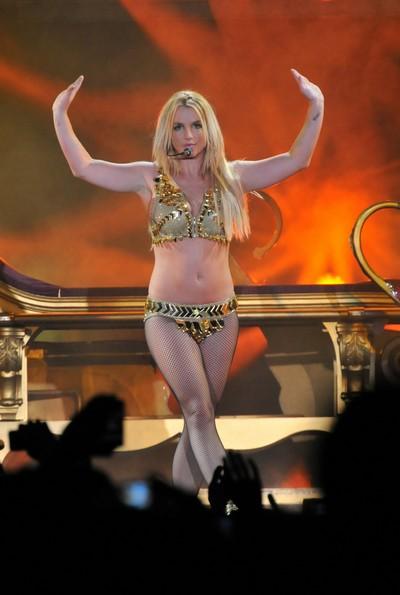 Britney Spears Enjoys 10 million Twitter Followers