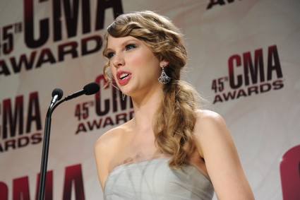 Taylor Swift Amongst Many On The Hunger Games Soundtrack
