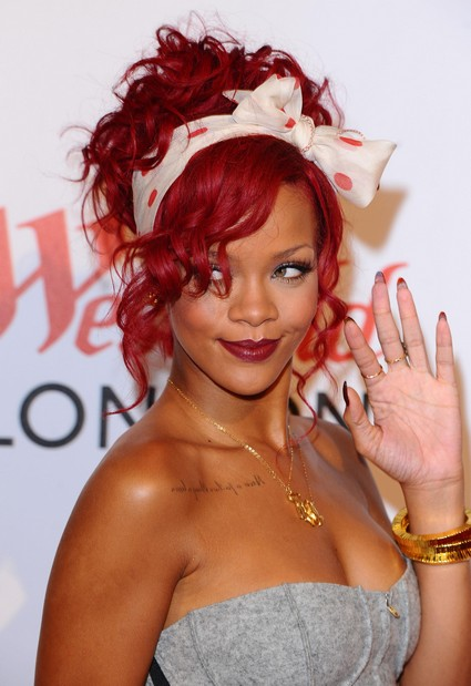 Rihanna Beats Justin Bieber And Selected 'Most Liked' Star In Facebook
