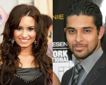 demi_lovato_wilmer_valderrama_split-up (450 x 360)