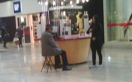 Joe Jackson Slumming in a Las Vegas Mall