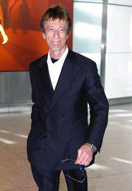Robin Gibb is Staying Alive