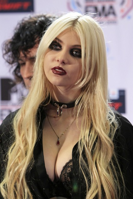Taylor Momsen Has No Time To Date