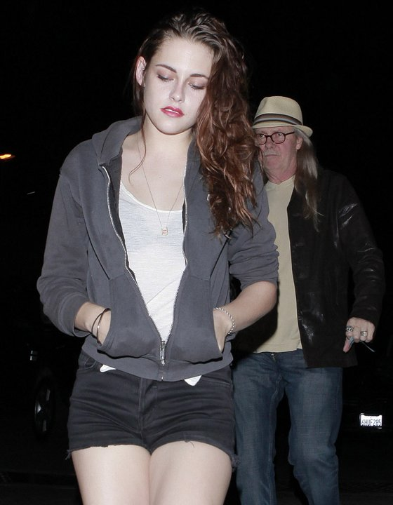Kristen Stewart Is Worried Twihards Will Kill Her For Cheating Scandal