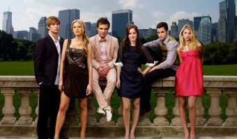 Voice Of Gossip Girl Kristen Bell Spotted Filming In NYC–Could The Last Episode Finally Unveil GG?!