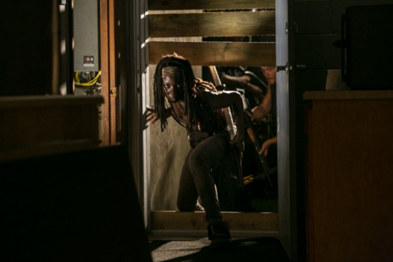"The Walking Dead Season 3 Mid-Season Finale ""Made To Suffer"" Recap 12/2/12"