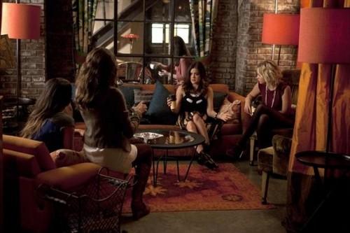 "Pretty Little Liars RECAP: Season 3 Episode 15 ""Mona-Mania!"""
