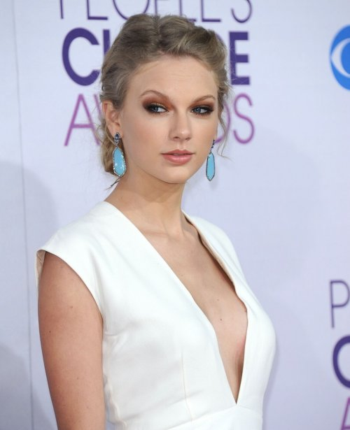 Watch Out Harry - Taylor Swift Is In Studio Recording Break-Up Song