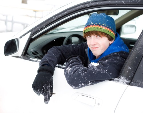 Teen-Driving-Snow (500 x 395)