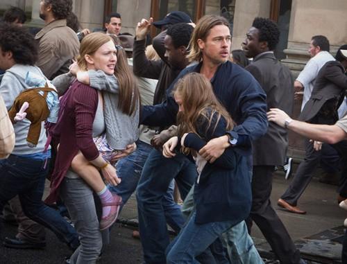 World War Z Has Brad Pitt Taking on Zombies - New Video Released!