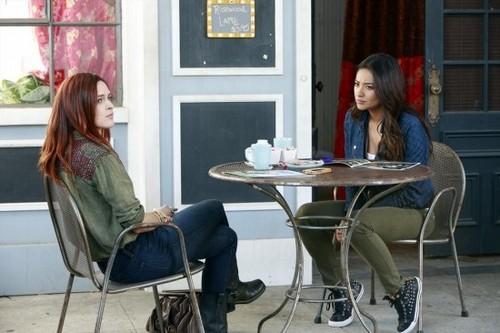 "Pretty Little Liars Season 4 Episode 8 ""The Guilty Girl's Handbook"" RECAP 7/30/13"