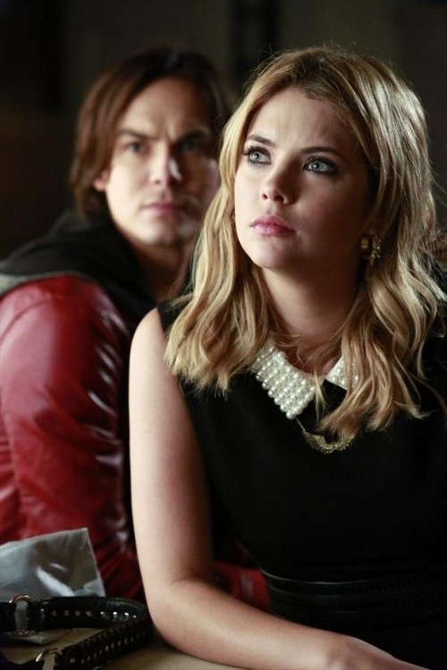 "Pretty Little Liars Season 4 Episode 10 ""The Mirror Has Three Faces"" RECAP 8/13/13"
