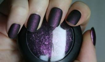 Turn Eyeshadow into Nail Polish