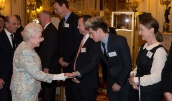 One Direction's Niall Horan Thanks the Queen for Inviting Him to Buckingham Palace