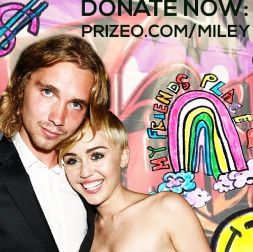 Miley Cyrus Brings Former Homeless Guy As Date To VMA's