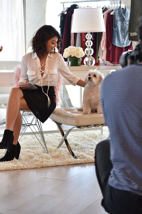 Modern Family Star Sarah Hyland Unveils New Candies Fall 2016 Campaign – The Clothes Are Awesome!