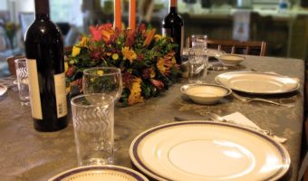 Should Teens Bring Dates To Thanksgiving Dinner?